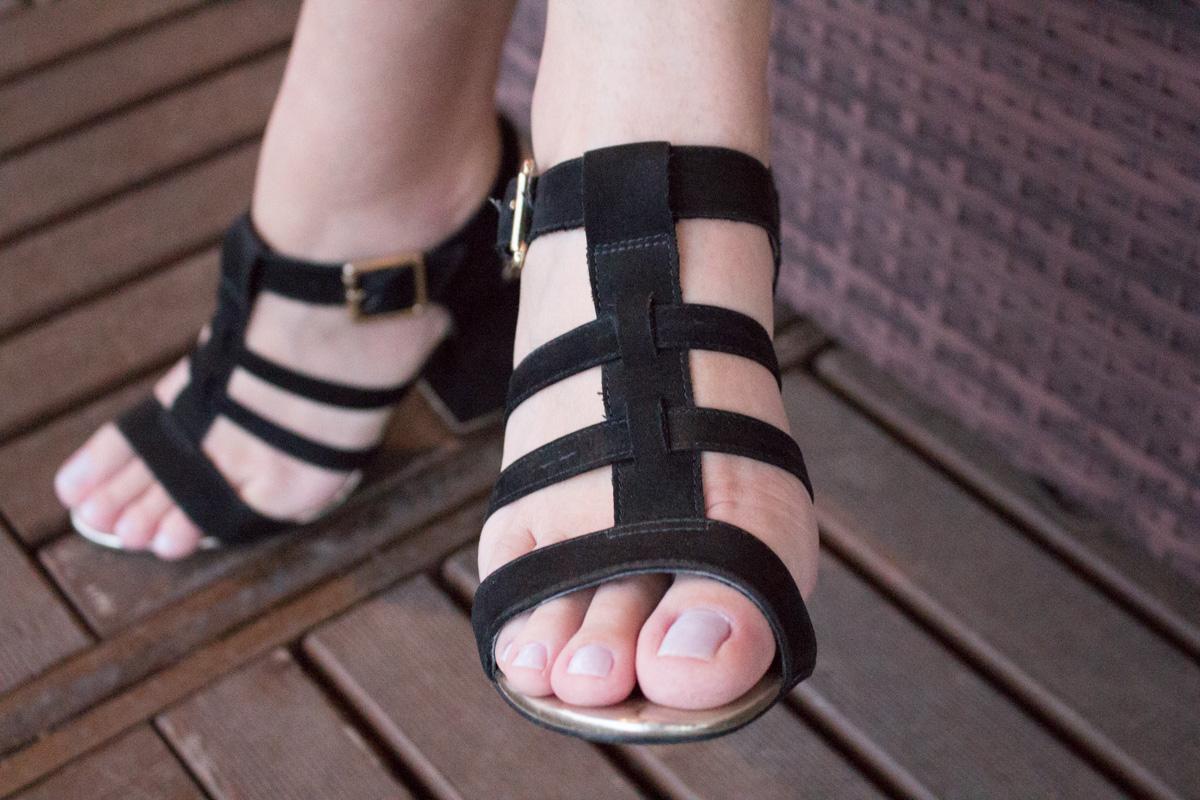 Sandália cravo canela
