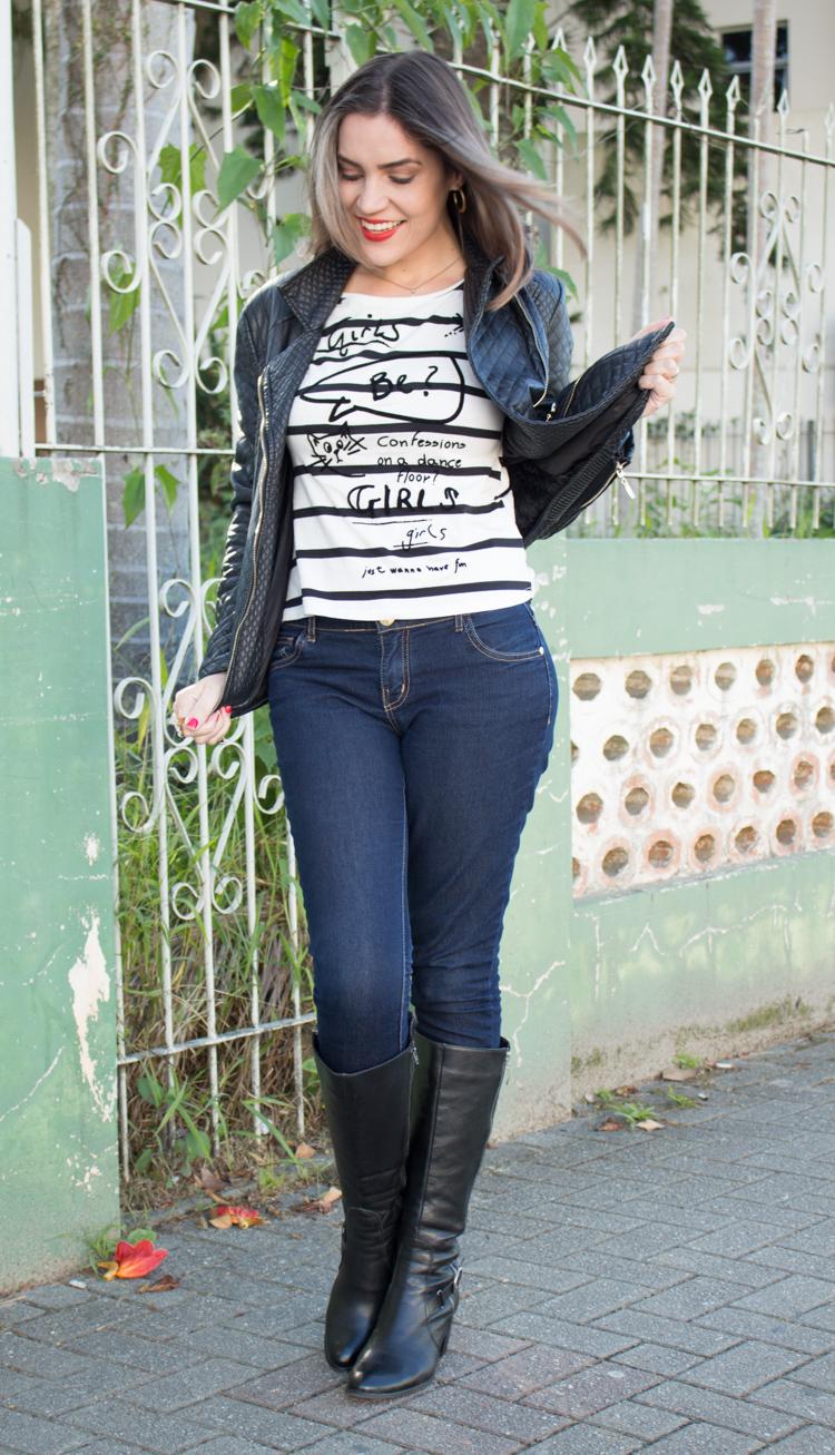 Look black jaqueta e bota couro