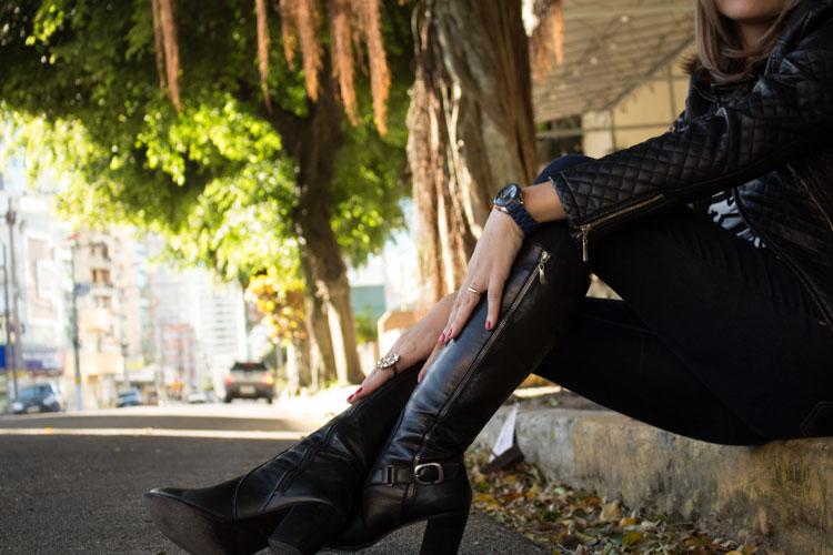 look jaqueta e bota black couro
